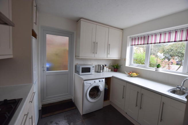 New light bright kitchen following our budget kitchen makeover.